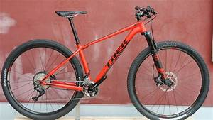 86a169da205 2018 Specialized Chisel vs 2018 Trek Procaliber Alloy written by Matt  Stenson Both Trek and Specialized have recently released new budget minded  XC race ...