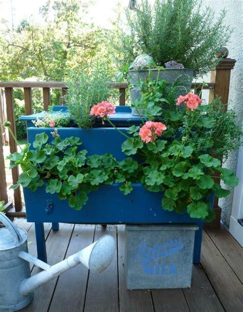 unique  creative garden planter ideas