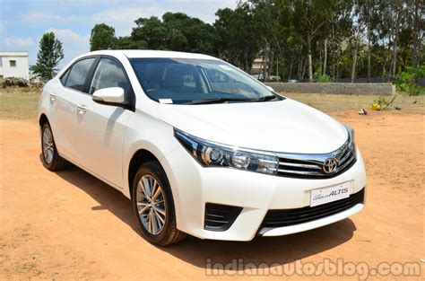 Review Toyota Corolla Altis by 2014 Toyota Corolla Altis Diesel Review Front Quarters