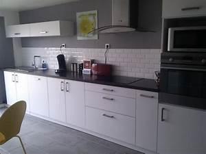 deco cuisine en gris et blanc With idee deco cuisine avec cuisine moderne gris clair