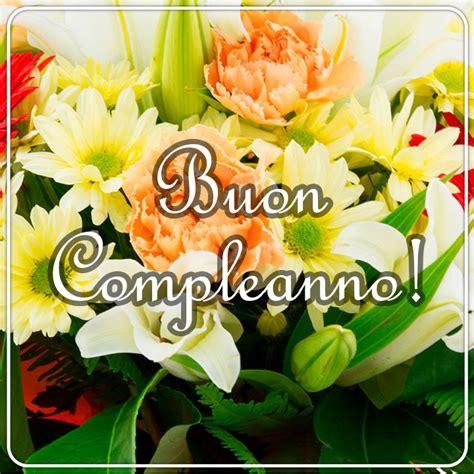 Non scegliete il primo mazzo di fiori che vi capita sotto agli occhi, ma valutate. Buon Compleanno Con Fiori / Buon compleanno card con fiori ...