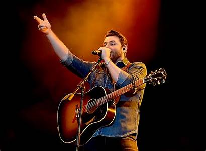 Chris Young Country Hold Beer Concert Musician
