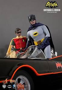 16 Hot Toys MMS 218219 Batman1966 Batman And Robin 1