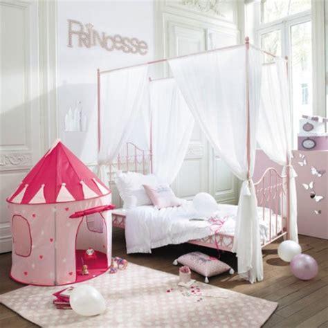 amenager chambre pour 2 filles decoration et mobilier chambre de fille baldaquin lit