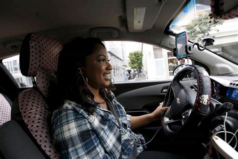 How Lyft Is Cashing In On Uber's Woes