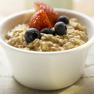 Oatmeal  13 Foods That Reduce Acid Reflux Healthcom