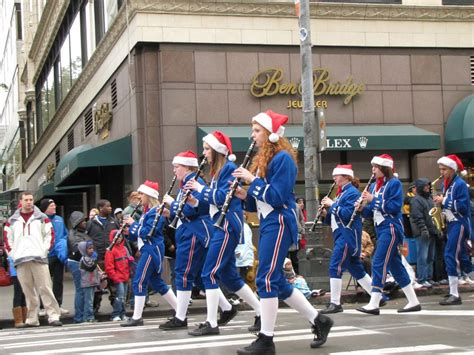 seattles thanksgiving parade  complete guide