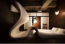 LLOVE HOTEL Room Scupture Bed Serving Trays On The Wall 24 Unusual Wall Decor Ideas Badezimmer Ohne Fliesen Im Au Enbereich Mit Freistender Badewanne Aus 3D Butterfly Pins Create A Mural Effect With 3D Wall Art