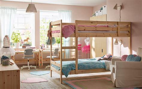 pose d une chambre pour chimio chambre bébés enfants ikea