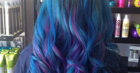 Aqua And Radiant Orchid From Ion Color Brilliance. Blue
