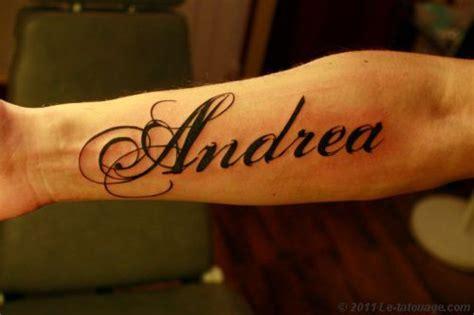 tatouage prenom avant bras homme