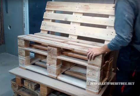 faire un canapé en palette comment faire un canapé avec des palettes 1meuble en