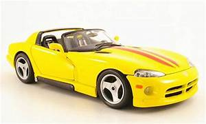 Dodge Viper RT 10 yellow/red 1993 Burago diecast model car