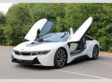 BMW i8 models are still available at BMW dealerships