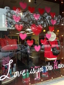 Spa La Valentine : love is in the hair front window display divine salon ~ Melissatoandfro.com Idées de Décoration
