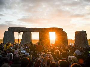 Summer Solstice 2016  Thousands Travel To Stonehenge For