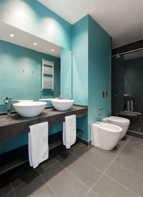 Badezimmer Fliesen Ideen Blau by Luxus Badezimmer Im Blau Und Grau Aufsatzwaschbecken