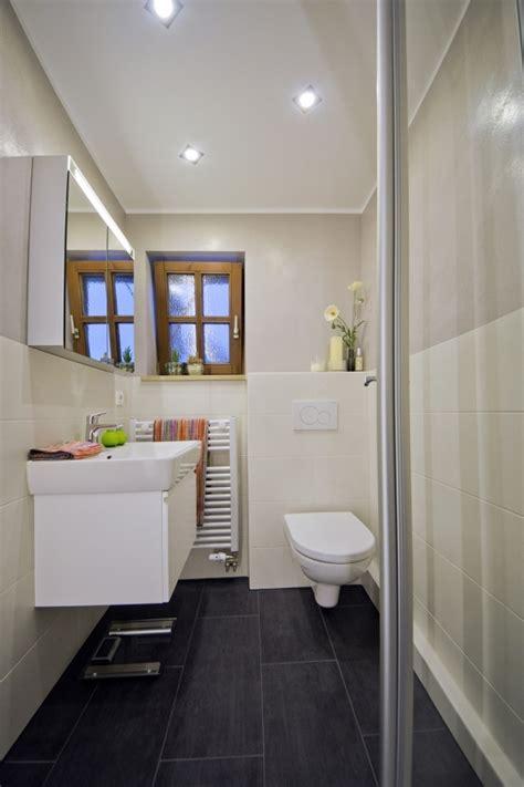 Kleines Badezimmer Größer by Kleines Bad Farbe