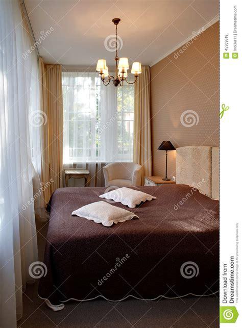 chambre d h e coquine chambre d 39 hôtel classique étroite de style photo stock