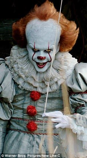 internet thinks pennywise   babadook  dating