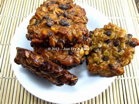 gluten  oatmeal choco chips almond raisin cookies
