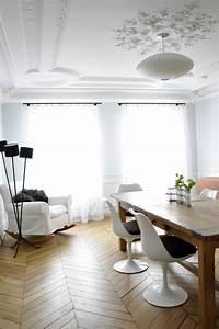 la chaise tulipe embleme du design des annees cinquante With meuble salle À manger avec chaises blanches bois