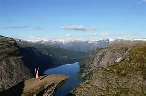 Nud Le Norge by Nackter Mann Macht Handstand Vor Sehensw 252 Rdigkeiten Klonblog