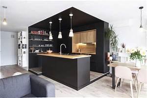 une cuisine noire et bois au coeur d39une renovation With cuisine noire et bois