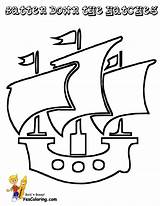 Pirate Ship Coloring Pages Printable Easy Pirates Yescoloring Seas sketch template