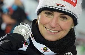 Andrea Henkel privat: Was macht die Biathlon-Weltmeisterin ...