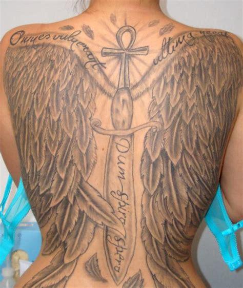 le tatouage ailes d ange pour un dos complet tatouage