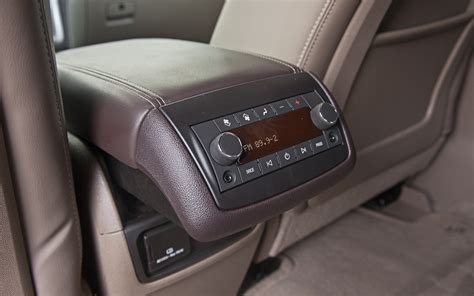 gmc acadia denali backseat climate control photo