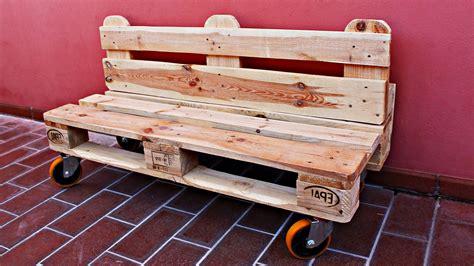 Costruire Una Panchina by Come Costruire Una Panchina Pallet Da Giardino Con Ruote