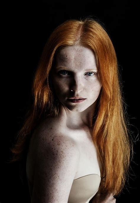 marie hlavkova ginger model  dead  red