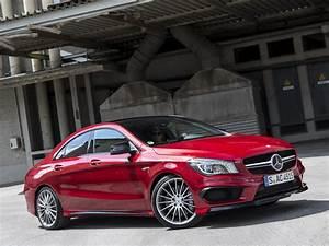 Mercedes 45 Amg : mercedes cla 45 amg gets long term review in the uk autoevolution ~ Maxctalentgroup.com Avis de Voitures