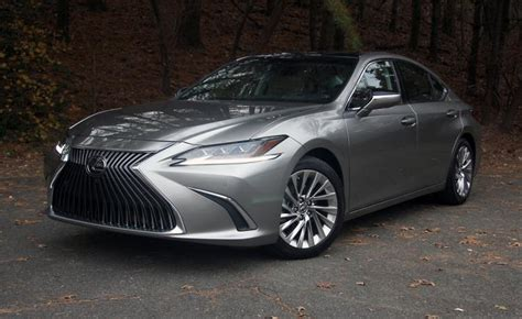 ratings  review  lexus es  ny daily news