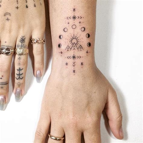 les  meilleures idees de la categorie tatouage doigt
