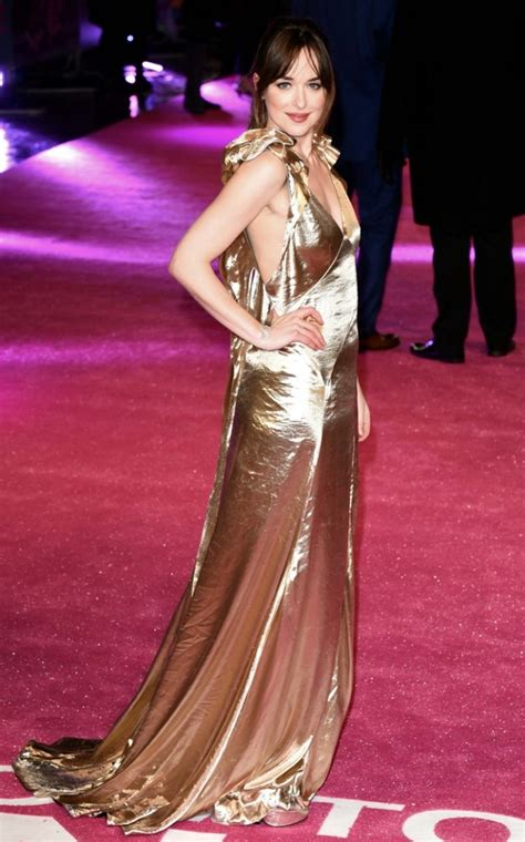 Is Dakota Johnson Sporting the Right Hairstyle for Her ...