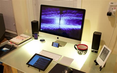 mac bureau 1680x1050 cool desktop set up desktop pc and mac wallpaper