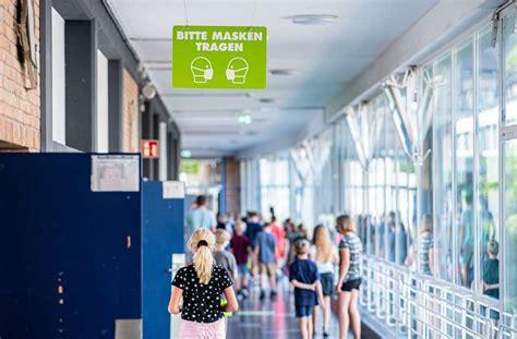 In den impfzentren sieht das anders aus. Neue Corona-Regel für Schulen in Baden-Württemberg: Lüften ...