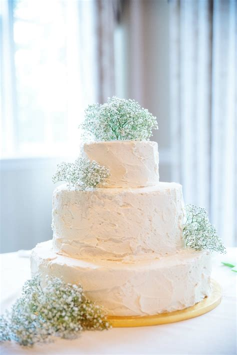 buttercream wedding cake  babys breath