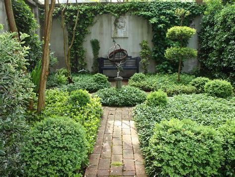 curious gardener southern courtyard gardens