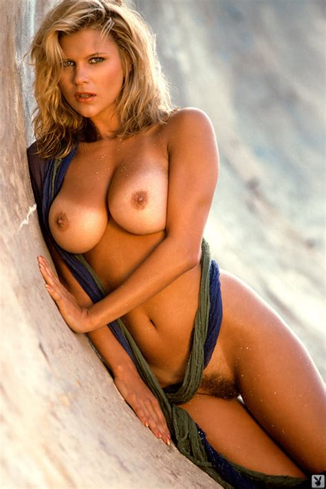 Morgan Fox Playboy Playmate Girl Naked Iramateur