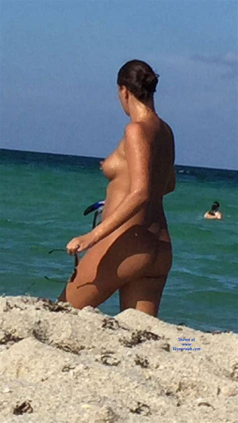 Hot Babe At Nude Beach August Voyeur Web