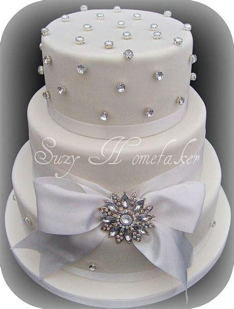 edible diamonds wedding cake photo   suitable link