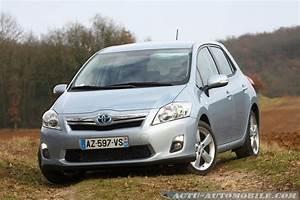 Essai Toyota Auris Hybride 2017 : essai toyota auris hybride 136 ch dynamic bilan galerie photos actu automobile actu ~ Gottalentnigeria.com Avis de Voitures