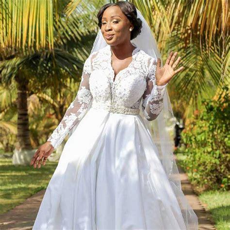 ghanaian actress naa ashorkor weds boyfriend   years