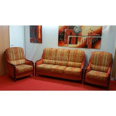 ensemble fauteuil canapé ensemble salon canapé 2 fauteuils tissu boiserie apparente