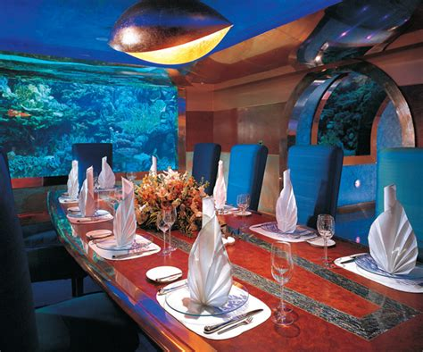 excitement n net underwater restaurant in dubai al mahara