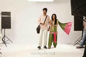 Picture 436393 | Sivakarthikeyan, Priya Anand in Ethir ...